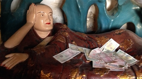 Phê bình đâu chỉ lễ hội chùa Hương?