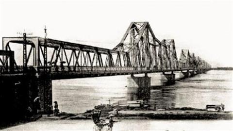 Không thể ngụy biện rồi vội phá cầu Long Biên