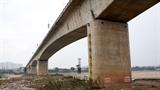 Cầu Vĩnh Tuy lặp kịch bản nhiều vết nứt 'vẫn an toàn'