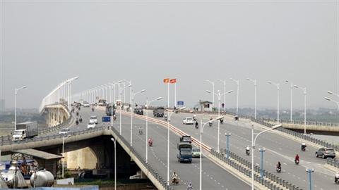 Cầu Vĩnh Tuy nứt 3 trụ: Tình hình rất đáng lo