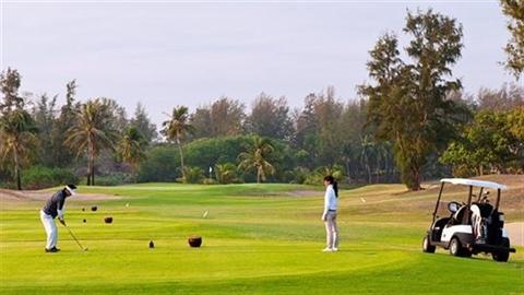 Bình Thuận nói về việc sân golf xin thành đô thị