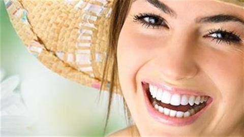 Tự lấy cao răng bằng vỏ chuối