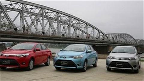 Ôtô 600 triệu, khách hạng B chờ hai tháng có xe