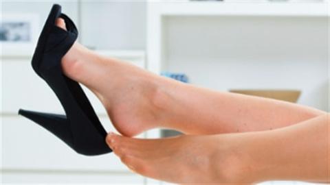 Đi giày cao gót nên dùng mặt nạ chân
