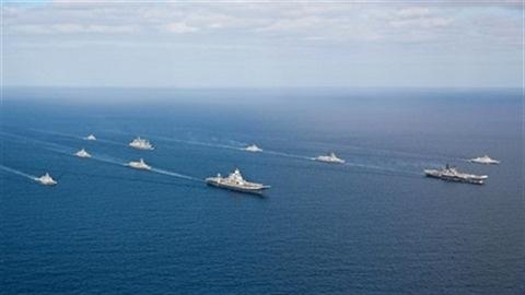 Chiến hạm cũ TQ bao vây hạm đội siêu mạnh Ấn Độ