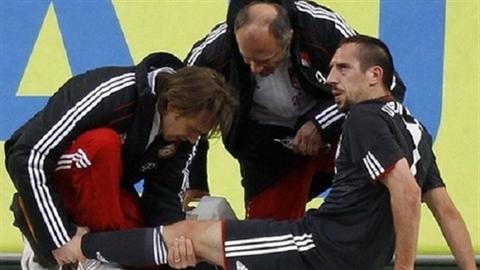 Tin HOT Ngày 02/06: Ribery chấn thương lưng, Chelsea rút ruột Atletico