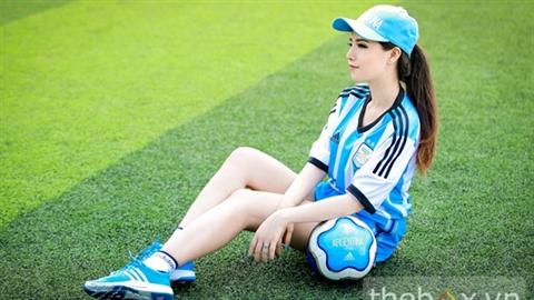 Bản sao Lưu Diệc Phi gợi cảm trong màu áo Argentina
