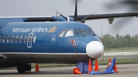 Vietnam Airlines lại 'lạ': 200 người đợi 1 khách VIP?