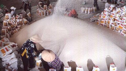 Phụ thuộc Trung Quốc: Xuất khẩu cao su, gạo trả giá