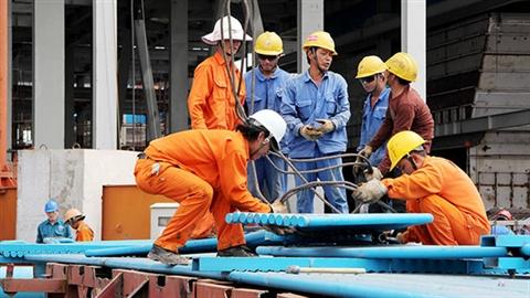 Tuyển 2.100 lao động TQ: Ai tiếp tay nước ngoài lộng hành?