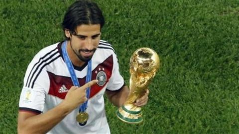 Về Arsenal, Khedira hưởng lương cao nhất ở Emirates
