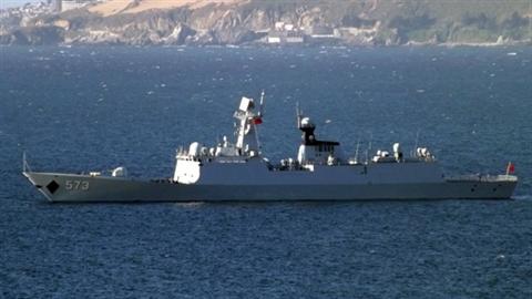 Chiến hạm Trung Quốc - Đài Loan chạm trán nảy lửa