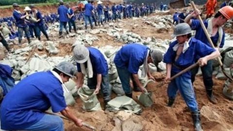 Chê lao động Việt Nam, nhà thầu Trung Quốc ngừng thi công?