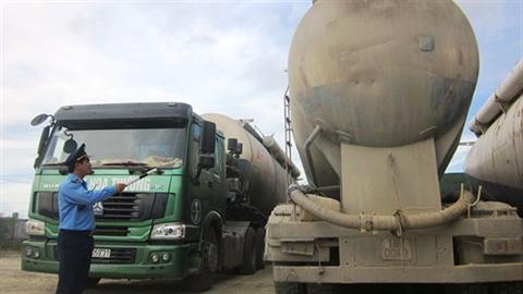 Xe bồn chở xi măng cho Formosa