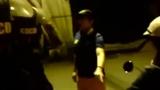 Xôn xao clip nam thanh niên thách CSCĐ giữ xe bạn gái