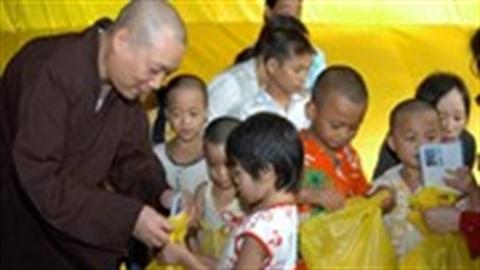 Bắt giữ 2 đối tượng nghi bán trẻ ở chùa Bồ Đề