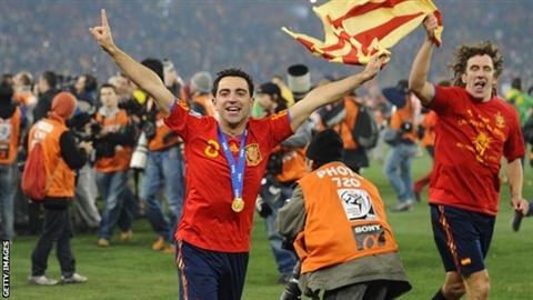 Chính thức: Xavi nói lời chia tay, sao trẻ rời Man City