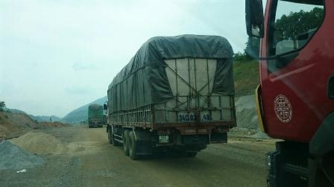 Bắt 8 đối tượng bảo kê, đường Nội Bài-Lào Cai được cứu