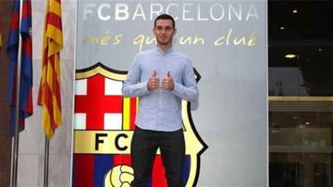 Barcalona đón tân binh, Real bán thủ môn