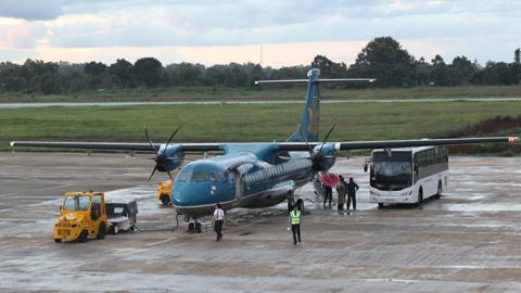 Hai máy bay suýt đâm nhau: Lại phê bình nghiêm khắc