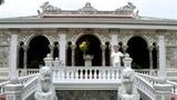 Biệt thự cổ kính, hoành tráng của Việt Hương – Chí Tài