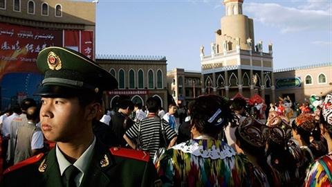 Người Hồi giáo Duy Ngô Nhĩ chống lại Bắc Kinh
