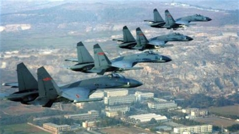 """Máy bay chiến đấu kỷ lục của TQ tại """"Peace Mission 2014"""""""