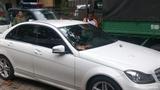 Xe siêu mẫu Thanh Hằng gây tai nạn, một người bị thương