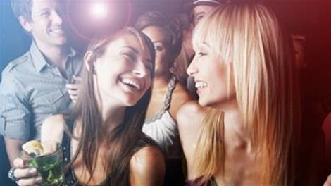 Con gái đi bar sẽ hư hỏng sao?