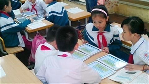 4000 tỷ làm SGK điện tử: Hà Nội, Đà Nẵng chưa làm