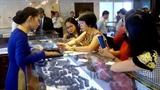 Hàng xa xỉ ùn ùn vào Việt Nam mặc kinh tế khó