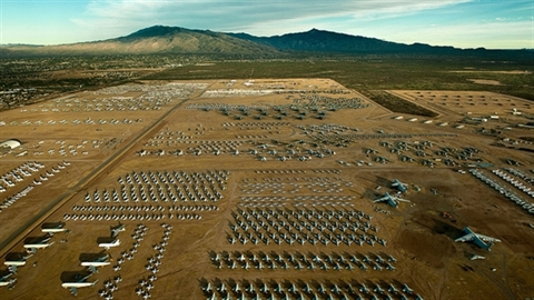 """Davis-Monthan: """"Nghĩa trang"""" hơn 4000 máy bay quân sự Mỹ"""