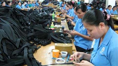 Người Việt lười từ việc nhỏ: Công chức cắp ô không... lười?