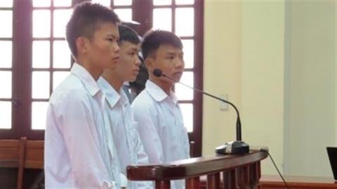 Giật mũ bị tù: Lý do hủy án sơ thẩm, phúc thẩm