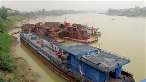 Tàu tiền tỷ bán sắt vụn:Máy Trung Quốc do... chủ đầu tư!