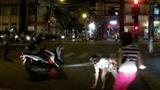 Hai thiếu nữ đi cướp giật nhưng... không kịp nổ máy xe!