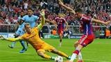 Man City thua, Chelsea hòa, Barcelona thắng sít sao chú lùn APOEL