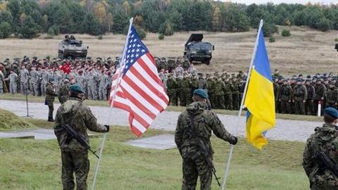 Diễn tập Rapid Trident: Lính Ukraine ở lều rách, tắm thùng gỗ