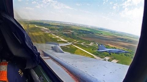F-22 có đủ sức đối đầu với tiêm kích nhanh nhất?