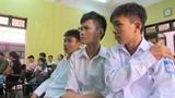 Học sinh giật mũ bị tù: Miễn hình phạt hai bị cáo