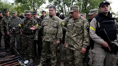 Ukraine nhịn ăn mua vũ khí