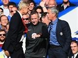 """Wenger vẫn bực, tiếp tục """"khẩu chiến"""" trong phòng họp báo"""