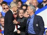 Koscielny tiết lộ lý do Wenger xô đẩy Mourinho