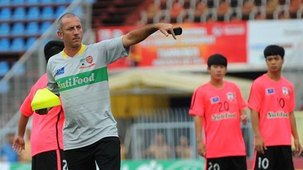 HLV Graechen không an tâm về hàng công của U19 HAGL