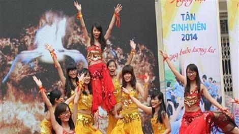 Sinh viên Thủ Đô cháy hết mình trong ngày hội dân vũ