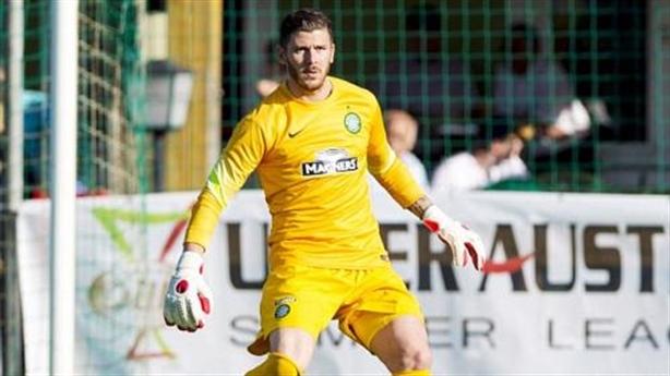 Góc khuất của sao: Thủ môn Celtic bị đồng nghiệp đánh bất tỉnh