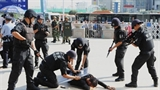IS 'sáp nhập' Tân Cương, Trung Quốc đau đầu nặng
