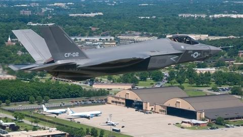 'Cha đẻ' F-16: F-35 thành mồi ngon cho tiêm kích Nga