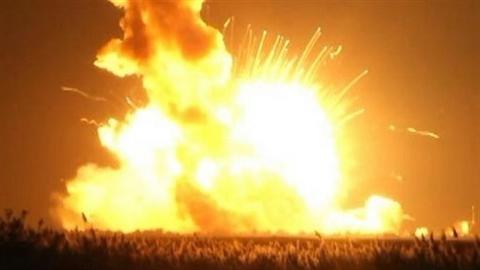 Chứng kiến tên lửa của Mỹ phát nổ khi rời bệ phóng