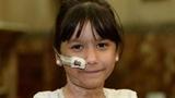 Bé gái tự bốc cháy từ bên trong vì uống kháng sinh